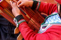 Handweaving in Chinchero